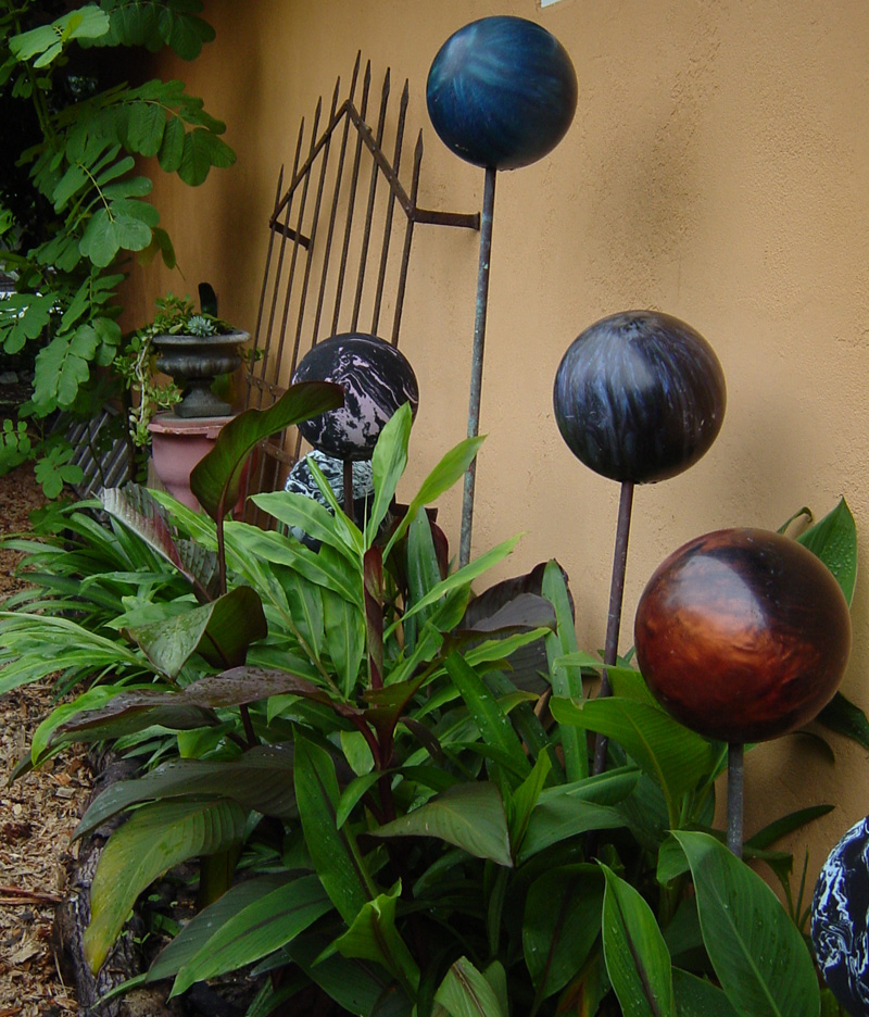 How To Make A Garden Sculpture From Old Recycled Bowling Balls